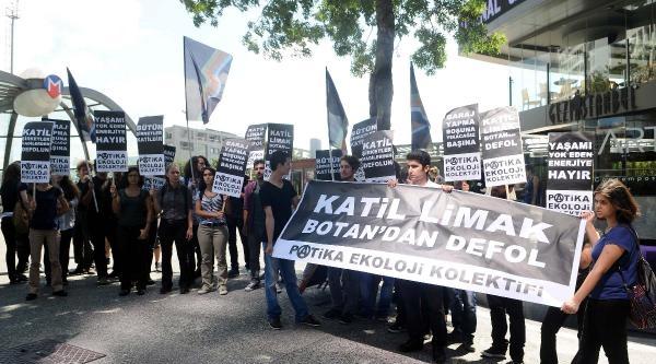 Protesto İçin Limak Önüne Yürüdüler