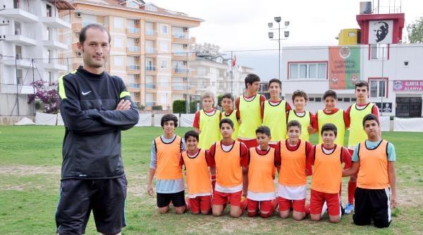 Protez Bacakla Futbolculuktan Antrenörlüğe