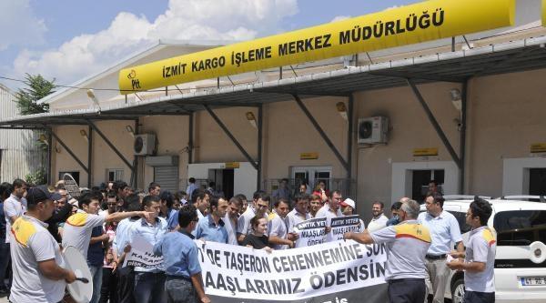 Ptt Taşeron İşçilerinden 'geç Ücret' Protestosu