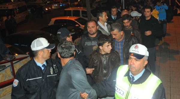 'rabia' Çikartmali Midibüste 30 Kaçak Yakalandi