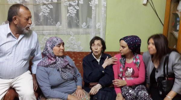 Rahşan Ecevit Kırkağaç'ta Madenci Ailesini Ziyaret Etti
