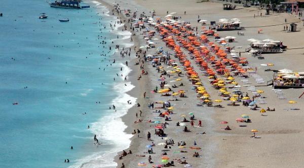 Ramazanda Fethiye Plajları Turistlere Kaldı
