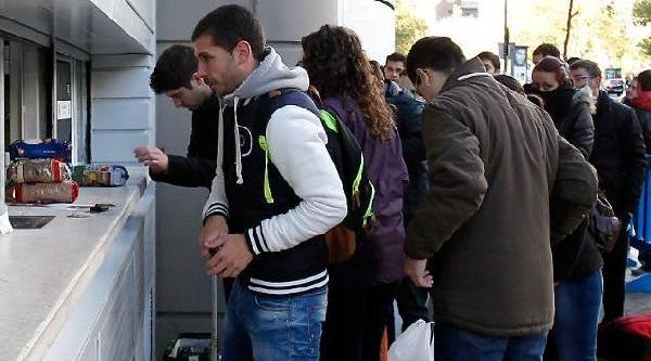 Real Madridli Taraftara 5 Kg Gida Karşiliği Galatasaray Bileti, Ek Fotoğraflar