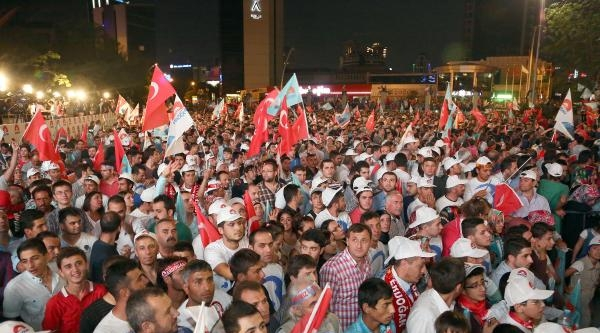 Recep Tayyip Erdoğan'ın Balkon Konuşması / Fotoğraflar