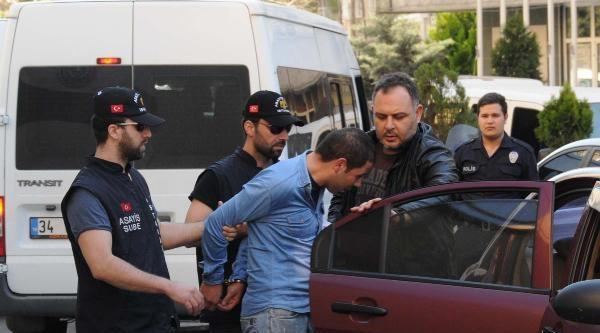 Resmi Kıyafetli Sahte Polis Yakalandı