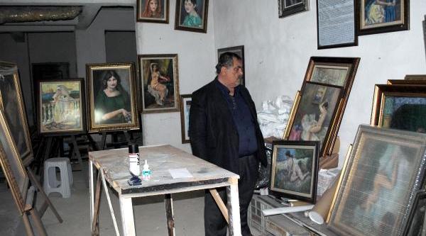 Ressam Kibarkaya, Evinin Bodrum Katini Müze Yapti