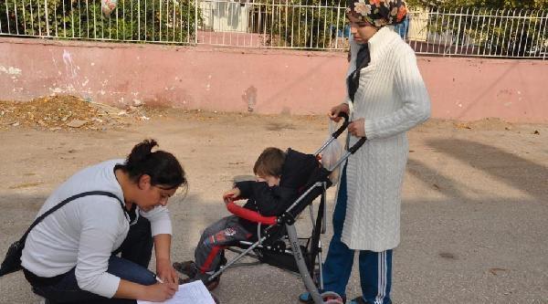 Reyhanli'da Çocuk Felci Aşisina Başlandi
