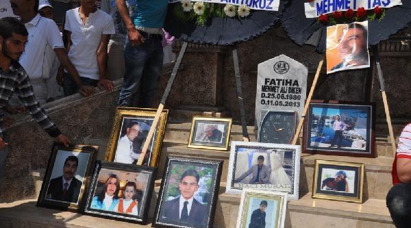 Reyhanlı'da Ölen 52 Kişi Anıldı, Şehitler Anıtı Açıldı (2)