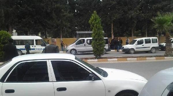 Reyhanli'da Yolcu Minibüsünde 10 Tabanca Ele Geçti (Ek Fotoğraf)