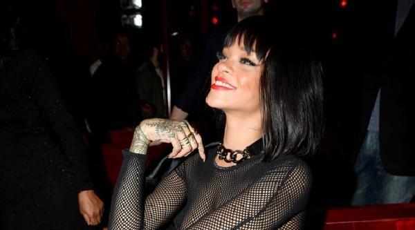 Rihanna Yine Gündemde