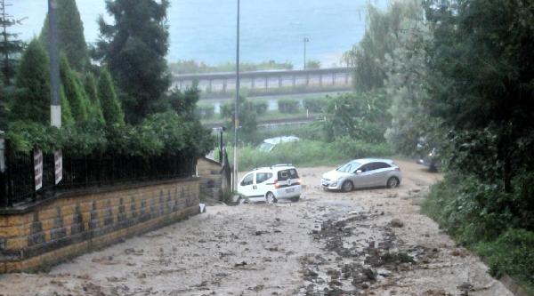 Rize'de Şiddetli Yağış Etkili Oldu