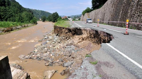 Rize'de Yağışlar Hasara Yol Açtı