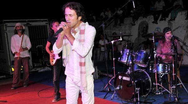 Rockçı İmam Abd'de Konser Verecek