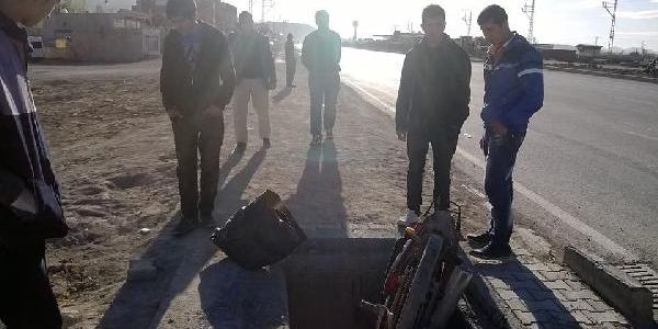 Rögar Boşluğuna Düşen Motosikletin Sürücüsü Yaralandi