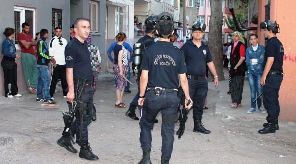 Roman Mahallesinde Sopalı Kavga: 2 Yaralı