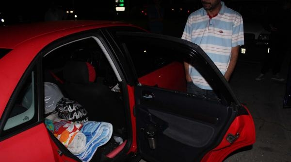 Romanyalı Aileleri, Otomobilde Uyurken Soydular
