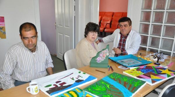 Ruh Sağlığı Merkezi Hastalarını Topluma Kazandırıyor