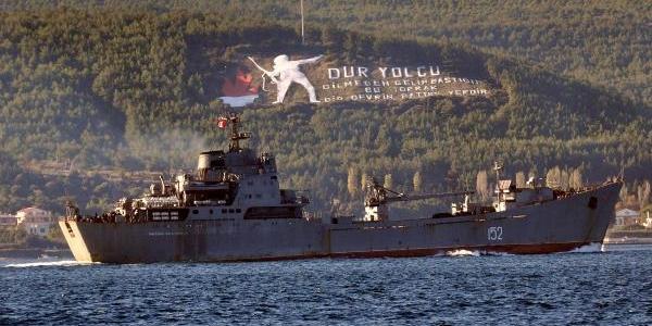 Rus Savaş Gemileri Çanakkale Boğazi'Ndan Geçti