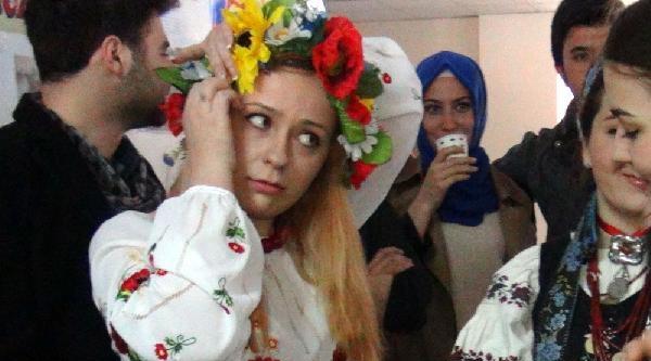 Rusların Kışı Uğurlama Bayramı Kars'ta Kutlandı