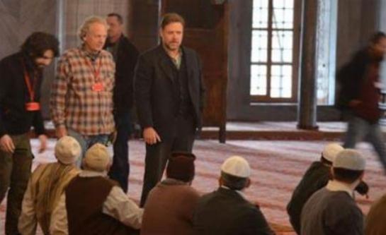 Russell Crowe namaz kılmayı öğrendi