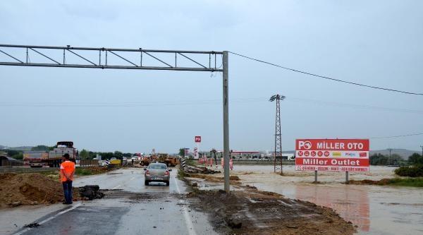 Sağanak Gelibolu'da Trafiği Aksattı - Ek Fotoğraf