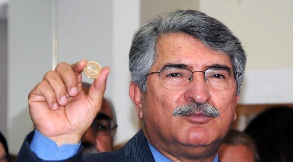 Sağlar: Başbakan Türkçe Olimpiyatlarının Resmini 1 Liraya Koymuş