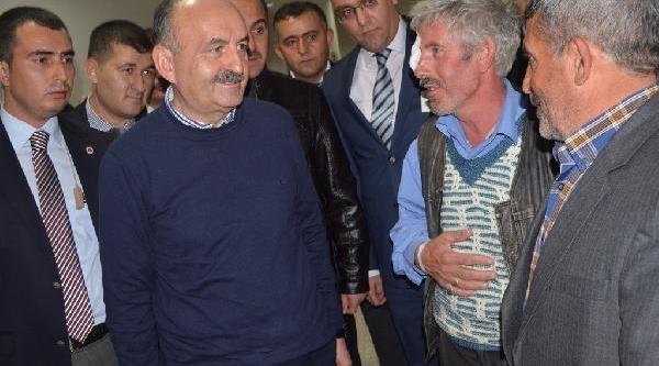 Sağlik Bakani Afyonkarahisar Devlet Hastanesi'ni Teftiş Etti