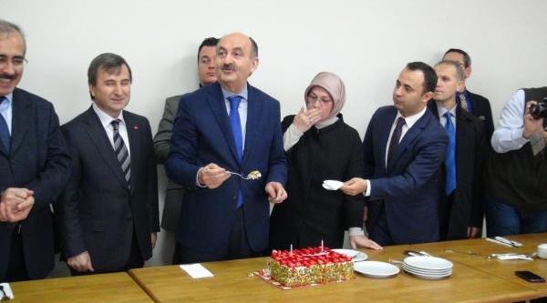 Sağlik Bakani Müezzinoğlu: 5 Ayda 1 Milyon Kişi Gribe Yakalandi