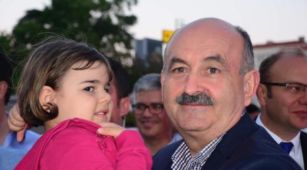 Sağlık Bakanı Müezzinoğlu, Çorlu'da İftar Yemeğine Katıldı
