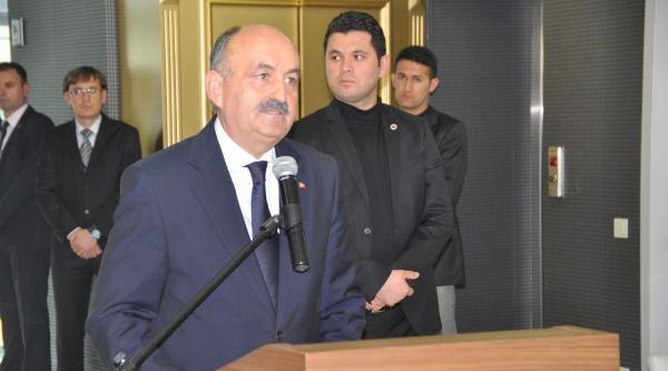 Sağlık Bakanı Müezzinoğlu: Hekime Yüksek Sesle Bile Konuşma Hakkımız Yok (3)