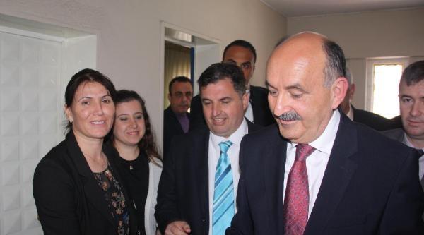 Sağlık Bakanı'ndan Doktor Adaya Destek