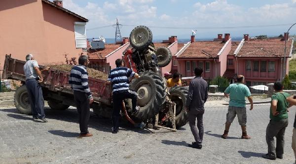 Şaha Kalkan Traktör İle Römork Arasına Sıkıstı