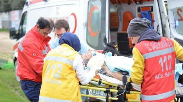 Sahaya Ambulans Helikopter İndi, Maç Geç Başladı