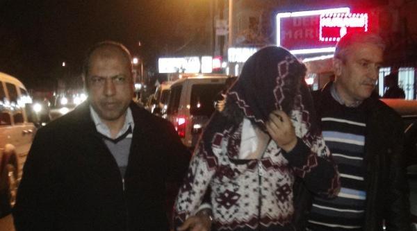 Sahibi Namaz Kılarken Marketten 50 Lira Çaldi