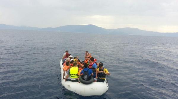 Sahil Güvenlik 76 Kaçak Göçmeni Yakaladı