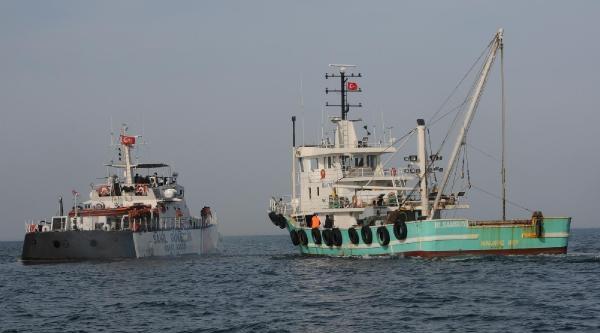 Sahil Güvenlik'ten Balıkçılara Sıkı Denetim