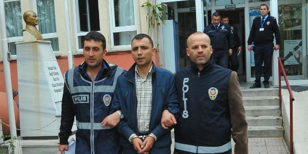 Sahte 'astsubay' Dolandiriciliktan Tutuklandi