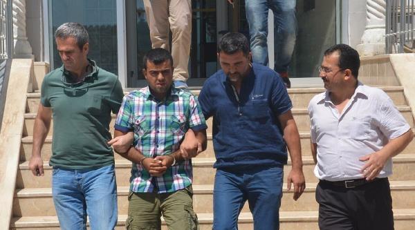Sahte Kimlikli Hırsızlık Şüphelisi Polisten Kaçamadı