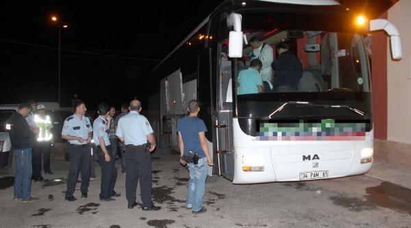 Sahte Plakalı Otobüste 20 Bin Paket Kaçak Sigara