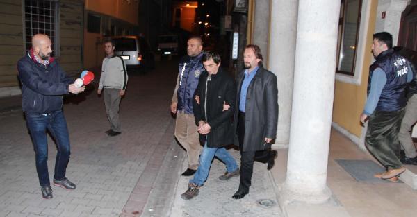 Sahte Polisler Savci Ve Hakimleri Bile Dolandirdilar