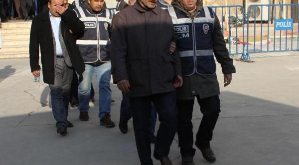 Sahte Vekaletnameyle Arazi Satişi Iddiasina 4 Tutuklama