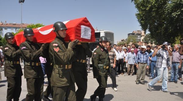 Şair Bekir Sıtkı Erdoğan Askeri Törenle Toprağa Verildi