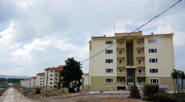 Sakarya'da Orta Hasarlı Bina Şaşkinliği