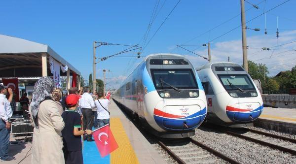 Sakaryalıların Arifiye Garı'nda Yüksek Hızlı Tren Hayal Kırıklığı