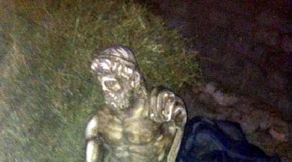 Samanlıkta Zeus Heykeli Ele Geçirildi