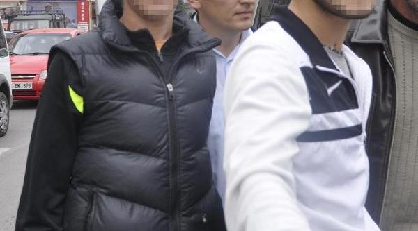Samsun'da 3 Lise Öğrencisi Biçaklandi (2)