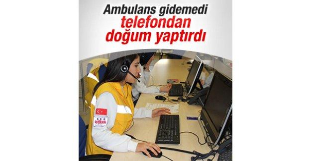 Samsun'da acil servis görevlisi telefonda doğum yaptırdı