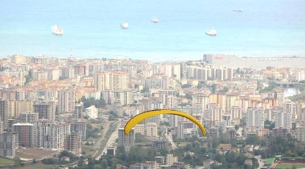 Samsun'da Yamaç Paraşütü Şenliği