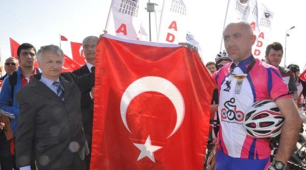 Samsun'dan Anıtkabir'e Sevgi Bayrağı