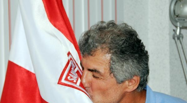 Samsunspor Erhan Altın'la Sözleşme İmzaladi